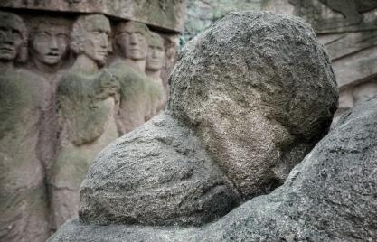 goldman_vivien_Memoir-in-Stone-07